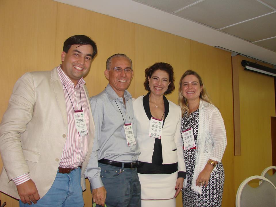 Dr. Leonardo Mello Ferreira (Presidiente SBDES), Dr. Paulo Peçanha (Palestrante ES), Dra. Angela Mameri (Palestrante ES) e Dra. Fernanda Maria Zucoloto (Diretoria SBDES)