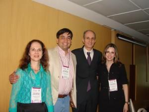 Dra. Lucia Martins Diniz (Palestrante ES), Dr. Leonardo Mello Ferreira (Presidente SBDES), Dr. Mario Cezar Pires (Palestrante SP) e Dra. Giane Giro (Diretoria SBDES)