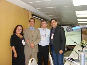 Dra. Tania Nely Rocha (Palestrante MG), Dr. Paulo Sergio Emerich (Comissão Científica SBDES), Dr. Fabio Colli (Palestrante ES) e Dr. Leonardo Mello Ferreira (Presidiente SBDES)